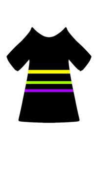 Tシャツにラインを引きたいのですが、どうすればいいでしょうか? 無地の黒Tシャツに三本(黄色、緑、紫)を引きたいのです どなたかお力をお貸しください   画像のような完成図にしたいです