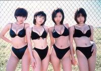 期間限定グラビアアイドルユニット「NITORO・ニトロ」に 思い入れがあります♡ 特にこの黒いビキニの唐沢美帆ちゃんがお気に入りでした♪ みなさまはこのユニット覚えてますか? イエローキャブ・アイドル