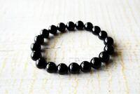 この数珠はアクセサリー、お守りとして所持するやつですか? それとも、お葬式の時などに使うやつですか?(宗教が関係あるとか)  もし前者だった場合、人にプレゼントしても大丈夫でしょうか?