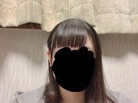 前髪をケープで固めたりして分けてみたんですけどこの髪型変ですか……?(前髪) 前髪を左に巻きたいのですが、全然上手くいきません、、なので毛先だけかるーく巻いたのですが…