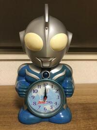 目覚まし時計、ウルトラマンコスモスを入手できました。レア物でしょうか。