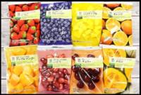 冷凍フルーツについての質問です。 コンビニ等に売っている冷凍フルーツは普通の果物を凍らしただけなんですか? 乾燥フルーツみたいに凍らす以外にも何か手を加えているのでしょうか。 冷凍フルーツと普通の果物の違いを教えて下さい!