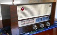 昭和時代のAM真空管ラジオを愛用しています。 今のAMバンド帯が近い将来FM波長になり?、周波数(バンド帯)も変わるとの情報を見ました。  波長、バンド帯はそれぞれどのように変わるのでしょうか? 変わった場...