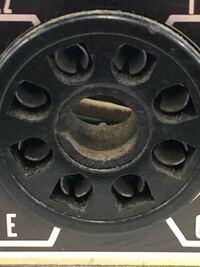 スピーカー端子 古いアンプです このスピーカー端子はどのように 接続するのですか