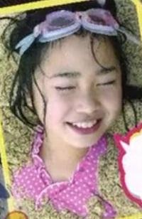 坂道幼少期クイズPart2  画像は現役坂道メンバーの幼少期です  誰でしょう?  正解者には500枚(゚∀゚)