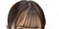 この前髪の巻き方を教えてください。  何ミリのアイロンが良いとか、ストレートアイロンとコテどっちを使うべきかとかがあれば、それも教えてもらえると嬉しいです!