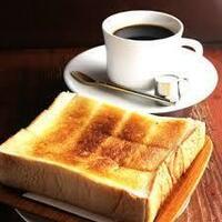 トーストとコーヒーの食事。 あなたがもう1品ほしくなるものはナニ?(2品でも良いです)