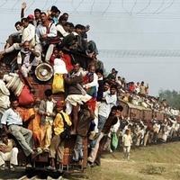 インドの満員電車で新型コロナウイルスに感染した人が乗ったらどうなりますか?