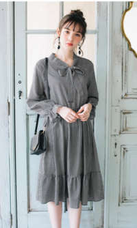 こちらのお洋服はあまり量産型っぽくないですかね? 量産型に憧れている芋なので、いろんな方の意見を聞きたいです。