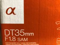『Sonyのミラーレス一眼AマウントからEマウントへの変換アダプタで、5000円以下のおすすめの商品を探しています。 教えてください』  ソニーのミラーレス一眼カメラα6000を中古で購入し、レンズも中古で「DT35mmF1.8SAM SAL35F18」というものを購入しました。 いざはめてみると明らかに大きさが違ってはまりませんでした。 お店に問い合わせて、初めて口径に違いがあるこ...
