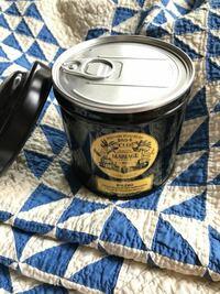 未開封の缶に入った紅茶の賞味期限について。 何年前に買ったのか記憶にない缶入りの紅茶があるのですが、どこにも賞味期限の記載がなく困っています。 マリアージュフレールの紅茶で、缶詰の状態になっています...