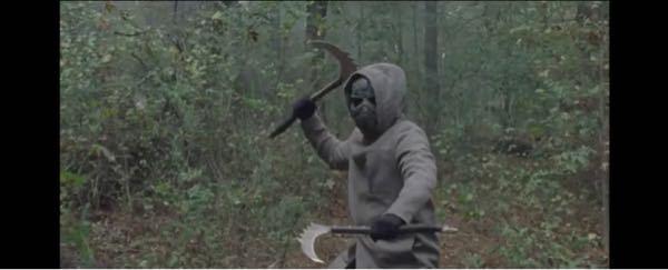 ウォーキングデッドシーズン10、16話に出てきた鎌男の正体は誰だと思いますか? フィアーのキャラ