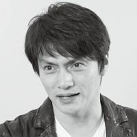 松村雄基さんって56歳とは思えない位格好よくないですか?50代後半は普通だったらおじさんですが、松村さんはそれを感じさせない位爽やかだと思います。