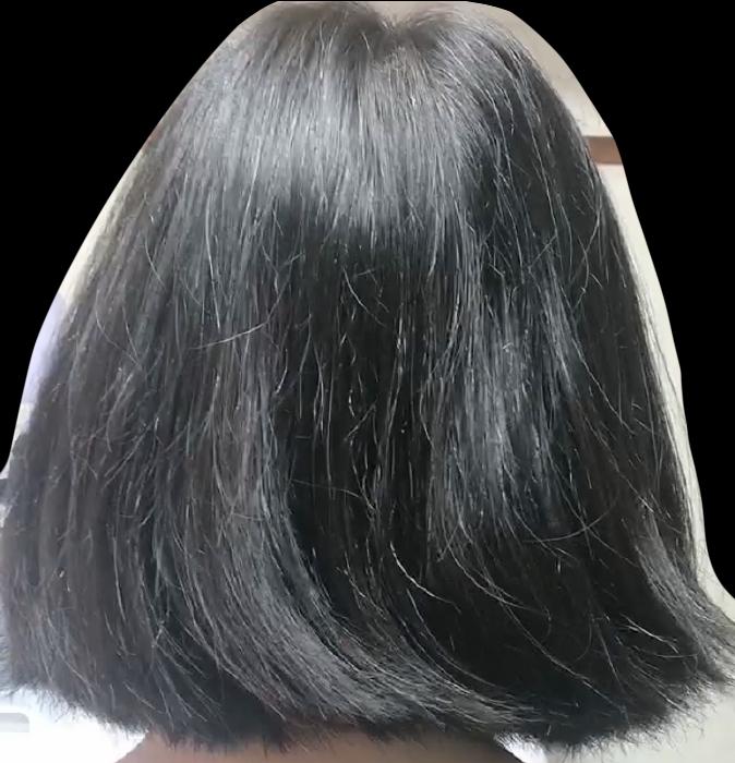 1つ前の質問も見てくださるとありがたいです 自分は髪がクシ通りがいいのにやけにふわふわしています 全ての髪が同じ長さではなく、短い毛があっちこっち…… 髪が傷んでいるんですかね… … 比較的太くて、量が多い方だと思います できれば改善したいです 回答よろしくお願いします