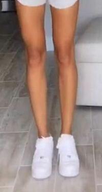 高校生女子です。 ふくらはぎと太ももに程よい筋肉をつけて写真のような健康的な足にしたいのですが、筋トレをしたら足は太くなりますか?