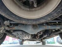 中古車の下回りのサビについて 写真の程度のサビは許容範囲ですか? 又、これに防サビ塗装しても意味ありますか?  ちなみに車は6年落ちのTXプラド(軽油)で250万で購入を検討中です。