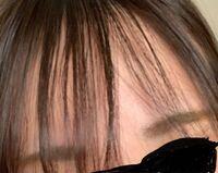 前髪を巻いてオイルをつけても何本かはくせで全然まとまってくれません。 多めにオイルをつけてもちょっとだけ出てくる毛が結構キモいんですけどどうしたら出てこなくなりますか?(T . T)
