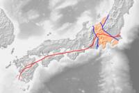 恐ろしい飛騨地方地震と千葉県東方沖地震? ・ 日本近海の海溝は向きが異なる南海トラフと日本海溝の2つだったため、日本列島は中央部が真っ二つに折られる形でアジアから離れた。  フォッサマグナ地図の西側...