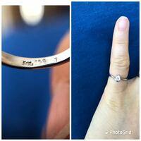 ダイヤの指輪なんですけど、サイズ直ししたときになくなったのかカラットの刻印がありませんでした。 元々は9号だったのを5号に縮めています。 確か0.2ctだった気がするんですが、0.2ctだと思いますか?