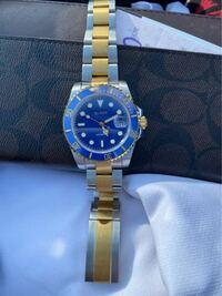 この時計の名前わかる人いますか?あと値段もお願いします。