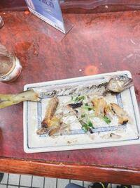 鮎の塩焼き 食べるの下手ですか? 骨と身とるのが苦手です。 どうですか…