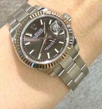 お詳しい方、教えてください。 このロレックスの腕時計(レディース)、百貨店でおいくらでしょうか?  宜しくお願い致します。