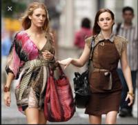 ゴシップガールでブレアが着ていたこちらのヒョウ柄のワンピースがどこのブランドのものか分かる方いらっしゃれば教えてください!  宜しくお願い致します!