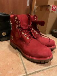 ティンバーランドのバレンタイン限定のブーツを持っているのですが、このブーツの防水性能はあるのでしょうか?詳しい方教えて下さい。 赤色の方です。