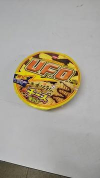 ペヤング焼きそばと、UFO焼きそば  どちらが好き?