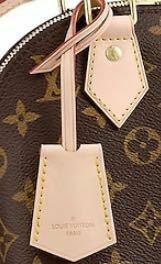 ルイヴィトンのバッグについてるこれをこれだけ変えたことある人いますか?いくらくらいするか教えていただきたいです。