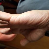 Kazさん 左手結婚線の手相鑑定よろしくお願いいたします。 1989052931歳男です