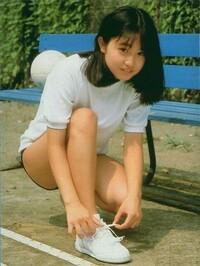 小川範子さんと高橋由美子、アイドル時代はどっちが可愛かった?僕は小川範子ちゃんです^^