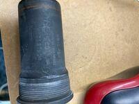 BB-LP28 68 軸長113mm スクエアテーパータイプのボトムブラケットが現在付いてます。 交換をしようと思い探しても見当たりません。 今は販売されてないのでしょうか? 販売されてないとしたら代用品はあるのでしょうか?