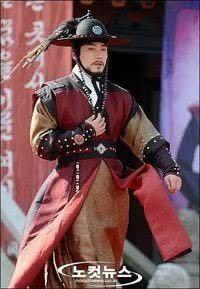 李氏朝鮮時代の捕盗庁や義禁府の武官が着ているこの服ですが、通販等で販売しているところはありますでしょうか?