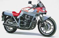 GSX1100Sカタナが最近とても古臭く見えて来るのですが。 ・・・・・・・・・・・・・・・・・・・・・・・・・・・・・ カタナて常識から外れたデザインなので古臭く見えないはずなのですが。 ですが新...