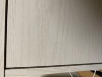 ニトリのカラーボックスについて  扉付きの3段のカラーボックスをニトリで購入したのですが、先程よーーーくみたら気になる青白い点々が… これはカビでしょうか?