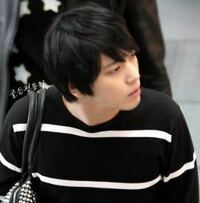 韓国アイドルもしくは俳優についてです。 メンズの髪型を検索していたら偶然この人が出てきました。 とてもかっこよくて名前が知りたいです。  韓国の人だとは思うのですが、アイドルなのか俳優なのかも知りませ...