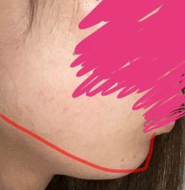この赤い線のように顔のラインを綺麗に出すにはどうすればいいですかね...? 顔と首の境が無くこの写真のようになっています... なんでもいいのでアドバイスください(><)