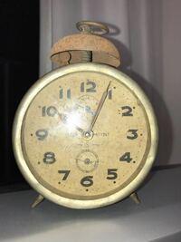 機械式目覚まし時計の修理代はいくらくらいですか? また、分解清掃を行って下さる修理店はございますか?