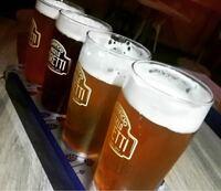 ビールのお供に一品、下の中から2つまで選んで下さい。。。 ①餃子 ②唐揚げ ③枝豆 ④刺身盛り合わせ ⑤焼鳥 ⑥ホンモン ⑦ビーフジャーキー ⑧串カツ ⑨柿の種 ⑩その他であなたが好きな物