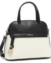 このバッグを持っている人を見て、どんな印象を受けますか?