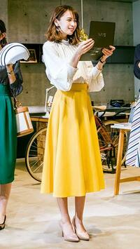 最近の10代20代の女子は、50代60代のおばさんみたいに、マキシ丈のロングスカートばかりなんですが、なぜ?