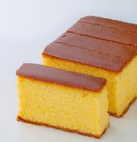 カステラについて質問です。 カステラは織豊時代にポルトガルから日本に伝来しましたが、しかし長崎で日本独自に発展して美味しいふっくらしたお菓子に進化しています。  カステラは和菓子ですか? それとも洋菓...