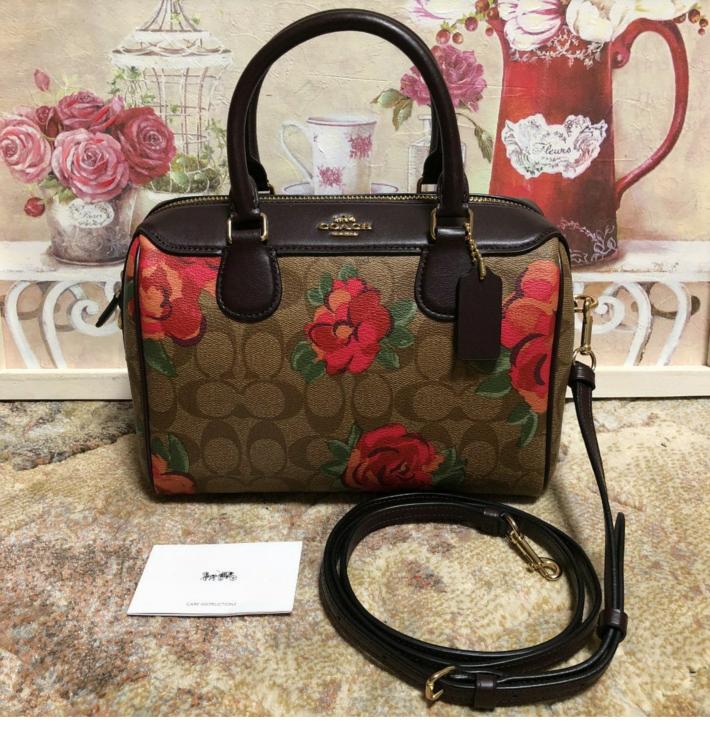 この薔薇の模様が入ったコーチのバッグ 人気が凄いでてすぐ完売したって 本当ですか?