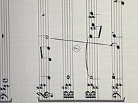 楽典の音程の問題です。 1オクターブ、減4になると思ったのですが、回答は完全4でした。 理由を教えてください。 よろしくお願いします。