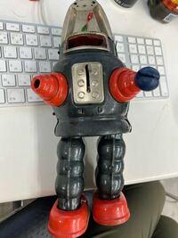 ヨネザワ玩具のブリキのおもちゃなのですが、このロボットの名前わかる方、いますか?