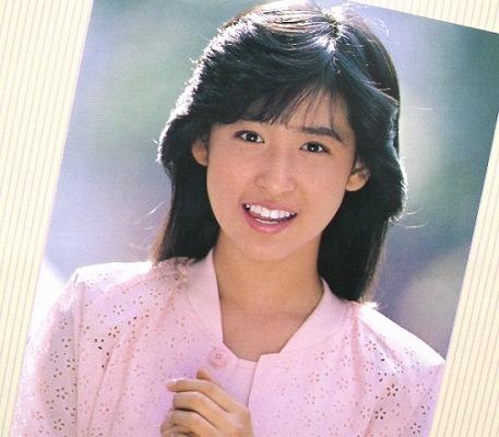だいぶ前になりますが岡本舞子が 雑誌で豚鼻にしてました。 その雑誌名と何年何月号か 判る方教えて下さい、宜しくお願い致します。