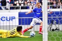 DAZNの広告に出ている「じゅんいちダビッドソン」みたいなサッカー選手は誰ですか? ※じゅんいちダビッドソンは本田圭佑のそっくりさんですが、本田圭佑ではないです。