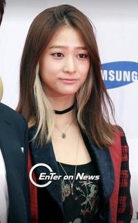 この美女は誰ですか?韓国の方だと思うのですが...