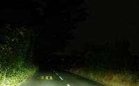 バイクのヘッドライトのLEDて意味があるのですか。 ・・・・・・・・・・・・・・ 夜中にバイクに乗っている人て暴走族だけだと思うのですが。 一般のライダーて夜中にバイクには乗らないと思うのですが。 夜...